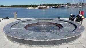 Monumento del mar adriático en Novigrad